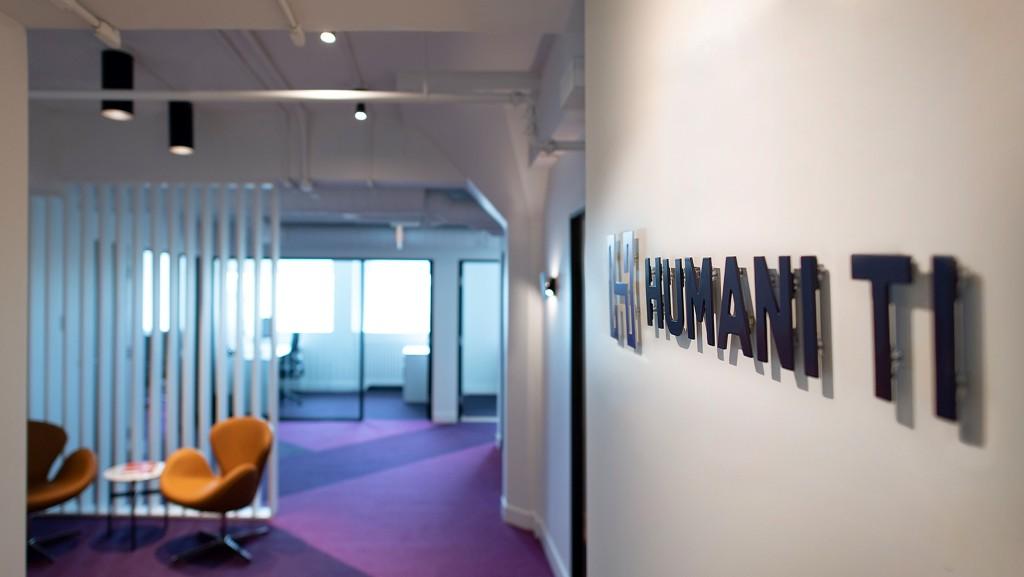 Une image contenant intérieur, mur, plancher, plafond  Description générée automatiquement